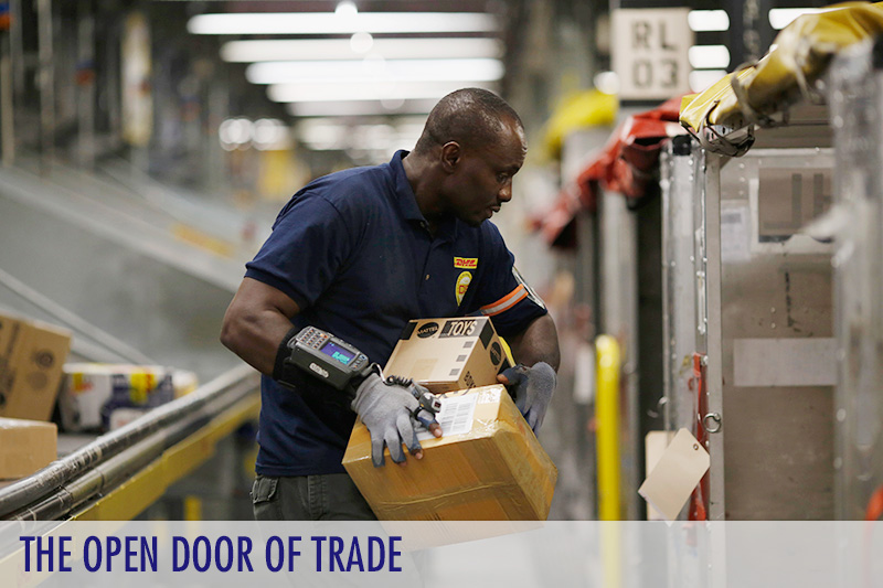 examining benefits of free international trade Yet economics teaches that international trade is not like war but can be win-win the second is an anti-market bias people tend to underestimate the benefits of the market mechanism as a guide.
