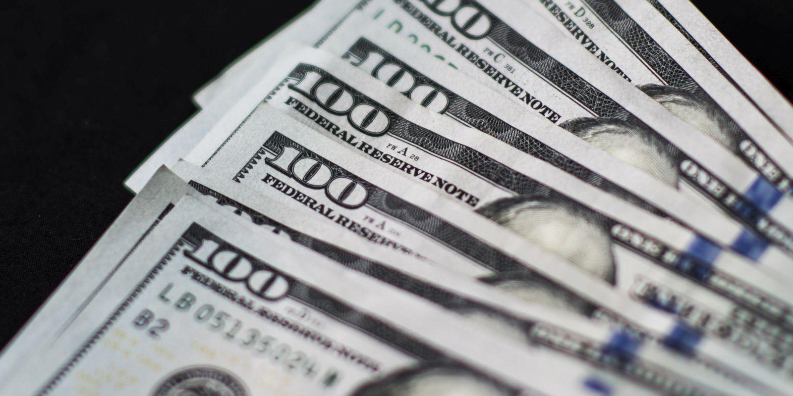 $100 U.S. banknotes