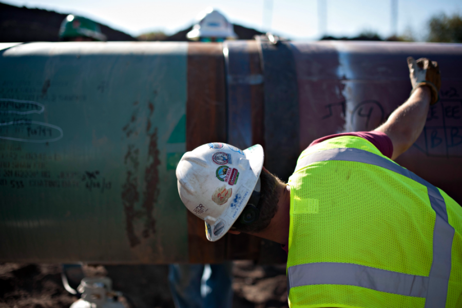 An oil pipeline under construction outside Goodfield, Illinois. Photographer: Daniel Acker/Bloomberg.