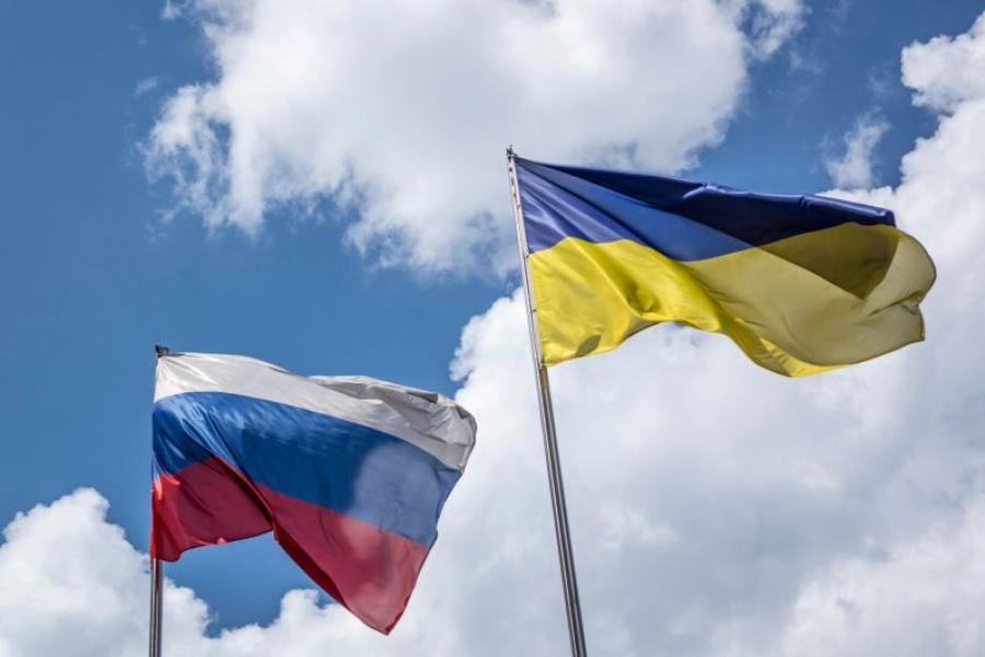 Russia and Ukraine flags.