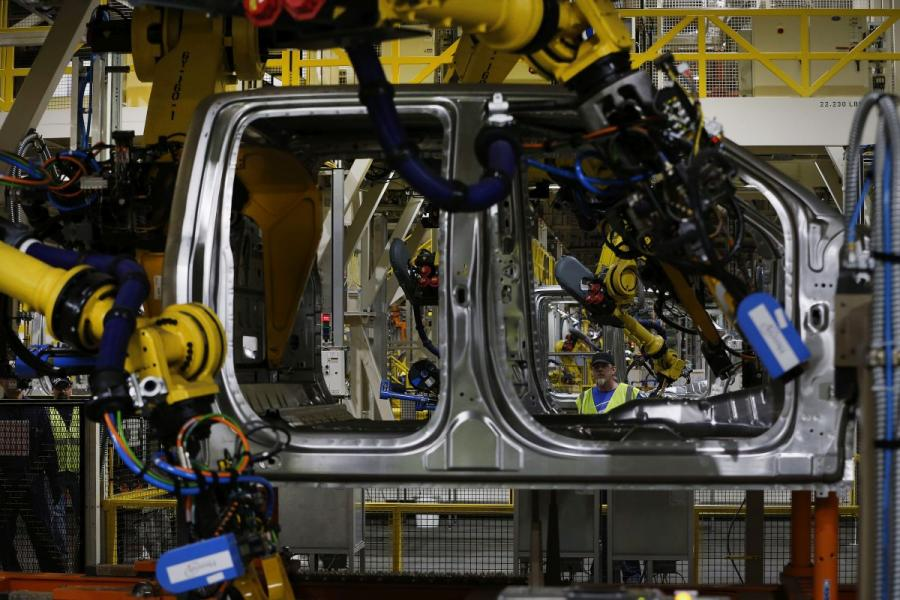 Bloomberg ford truck assembly line u s for Ford motor company pension contact number