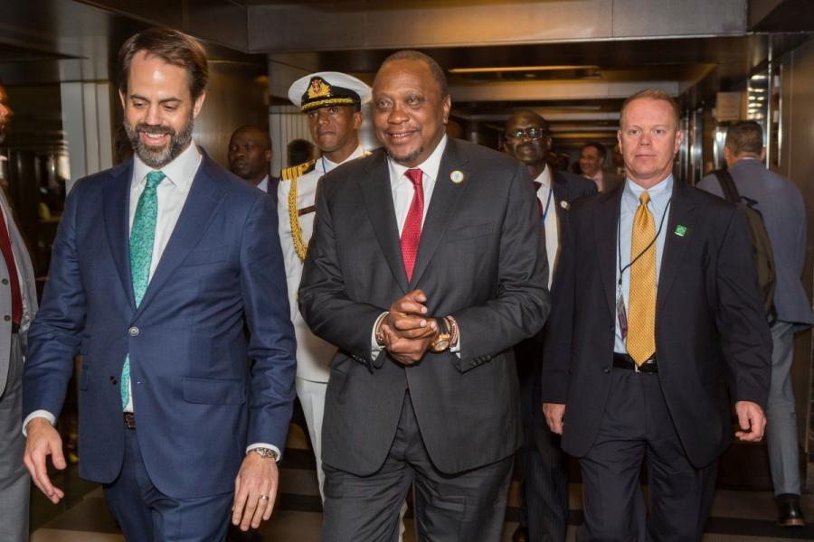 U.S. Chamber Senior Vice President of African Affairs Scott Eisner converses with President of Kenya Uhuru Kenyatta at the Kenya roundtable.