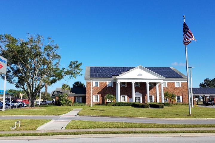 Solar panels on Kissimmee FL Bank of America building