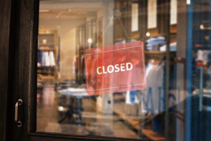 Closed retail store COVID
