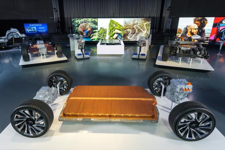 General Motors reveals its all-new modular platform and battery system, Ultium