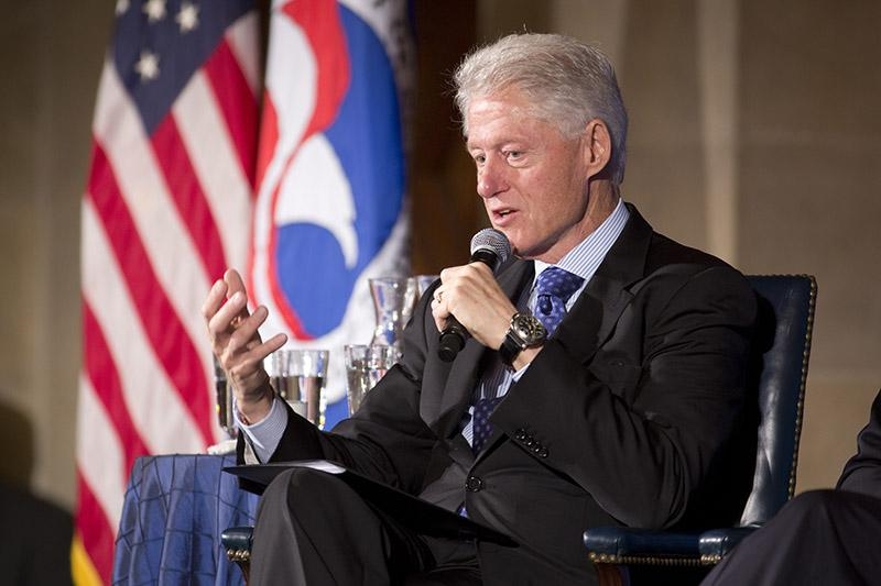 President Bill Clinton discuss transportation funding for cities at the Chamber on April 19, 2013