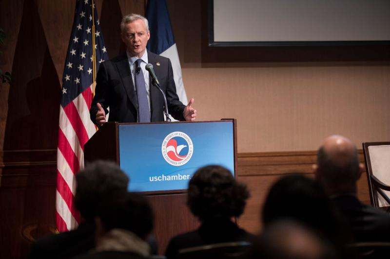 Le Maire addresses the Chamber