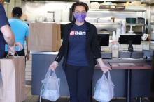 U.S. bank delivers lunches