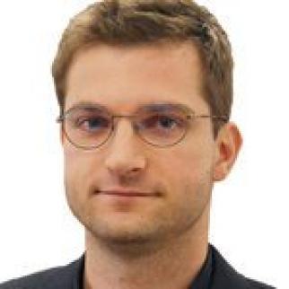 Paul Mozur headshot