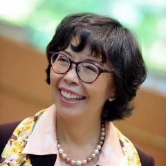 Susan Au Allen headshot