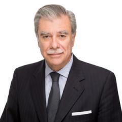 Carlos Gutierrez headshot
