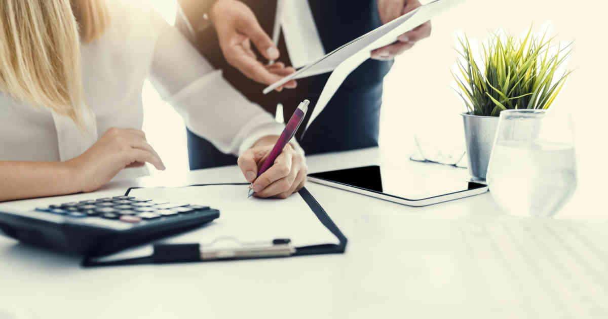 Employee Health Insurance: How Much Should the Employer Pay?