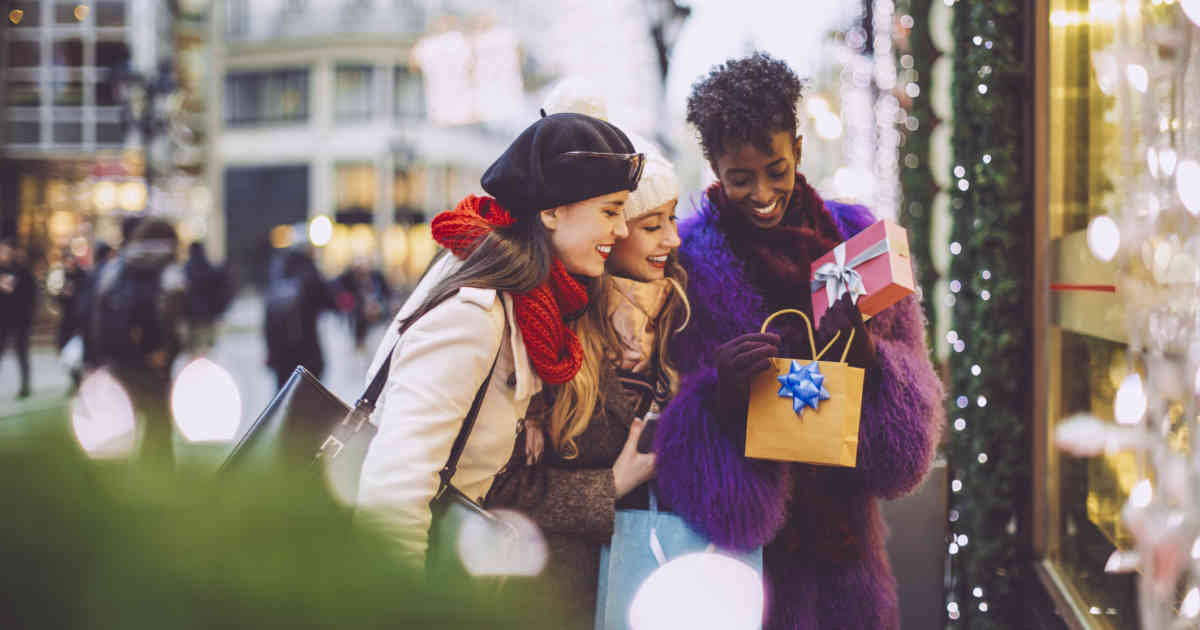 3 Experts on What's Driving Holiday Retail Sales This Year