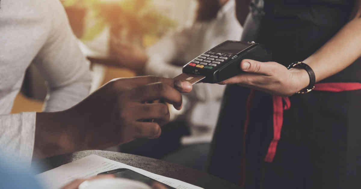 4 Things to Consider Before Accepting Mobile Credit Card Payments