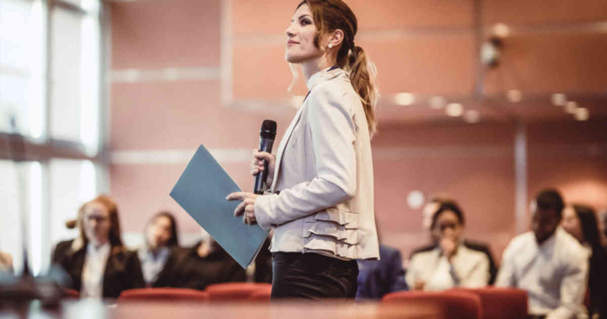 Improving Your Public Speaking: 5 Ways to Avoid the Pounding Heart and Sweaty Palms